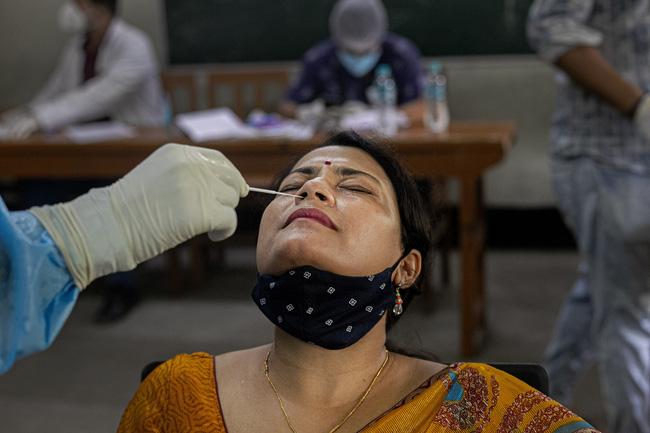 Trên 26,4 triệu người mắc COVID-19 trên toàn cầu, Ấn Độ có hơn 84.000 ca nhiễm mới trong ngày