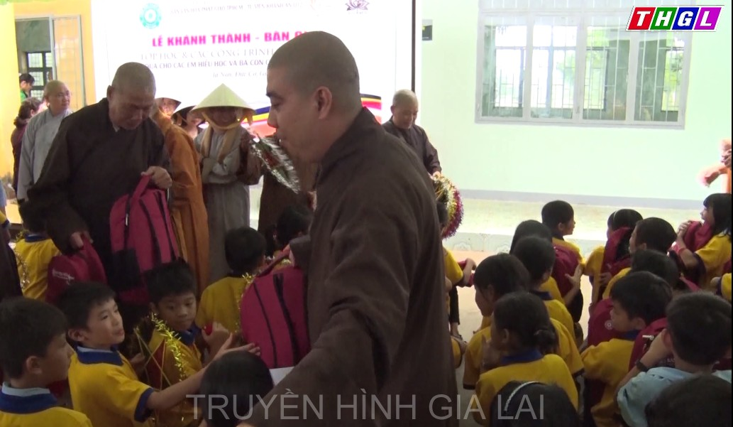 Khánh thành và bàn giao phòng học cho  điểm trường Tiểu học Cù Chính Lan thuộc thôn Đức Hưng, xã Ia Nan, huyện Đức Cơ.