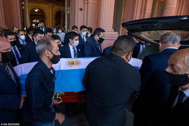 Maradona về nơi an nghỉ cuối cùng