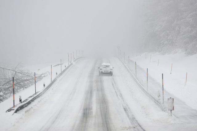 Bão tuyết nghiêm trọng tại Đức, giao thông tê liệt cục bộ