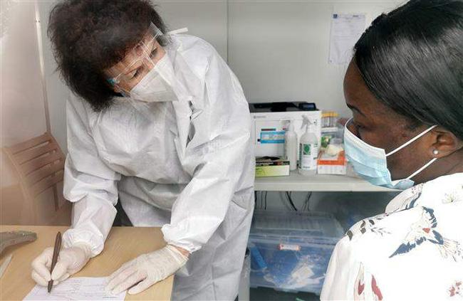 WHO ghi nhận số ca nhiễm COVID-19 trên toàn cầu giảm