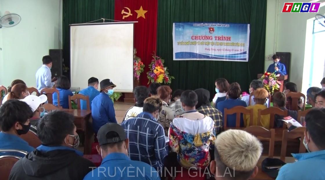 Đoàn Thanh niên tỉnh tổ chức tư vấn nghề nghiệp và giới thiệu việc làm cho thanh niên Mang Yang