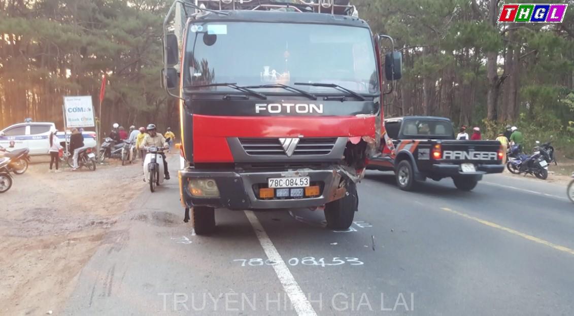 Va chạm với xe tải trên Quốc lộ 19 qua địa bàn huyện Mang Yang khiến 2 người tử vong tại chỗ