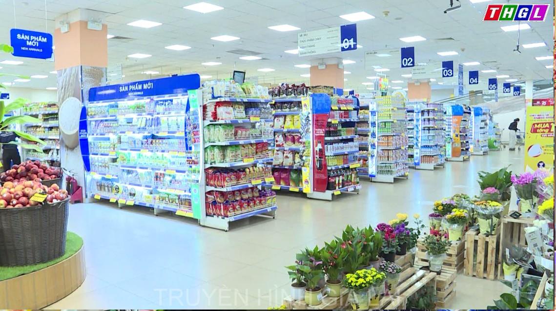 Nhiều người dân chuyển sang hình thức mua hàng online trong ngày đầu tiên TP. Pleiku áp dụng Chỉ thị 16