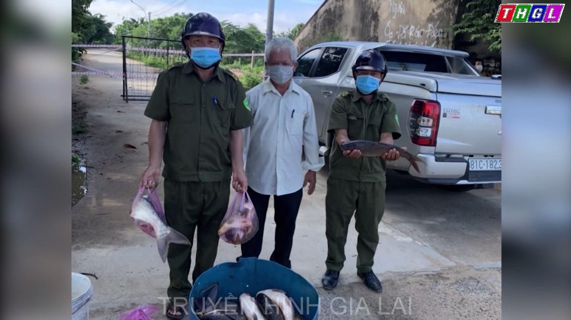 Krông Pa: 212 kg cá và 1.175 kg gạo được tặng 72 hộ dân trong khu vực phong tỏa