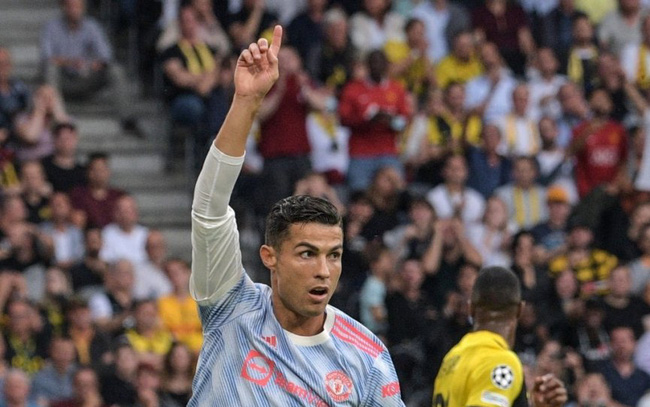 Ronaldo lập một loạt kỷ lục ở Champions League