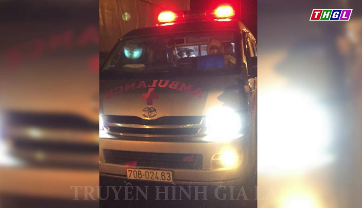 Phát hiện xe cứu thương chở F0 rồi thả xuống dọc đường