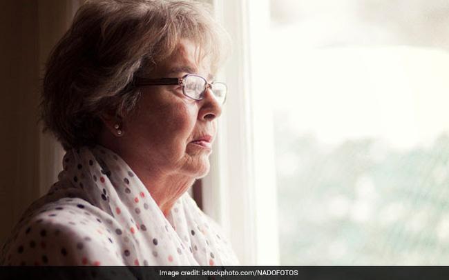 10 dấu hiệu nhận biết sớm bệnh Alzheimer ở tuổi già